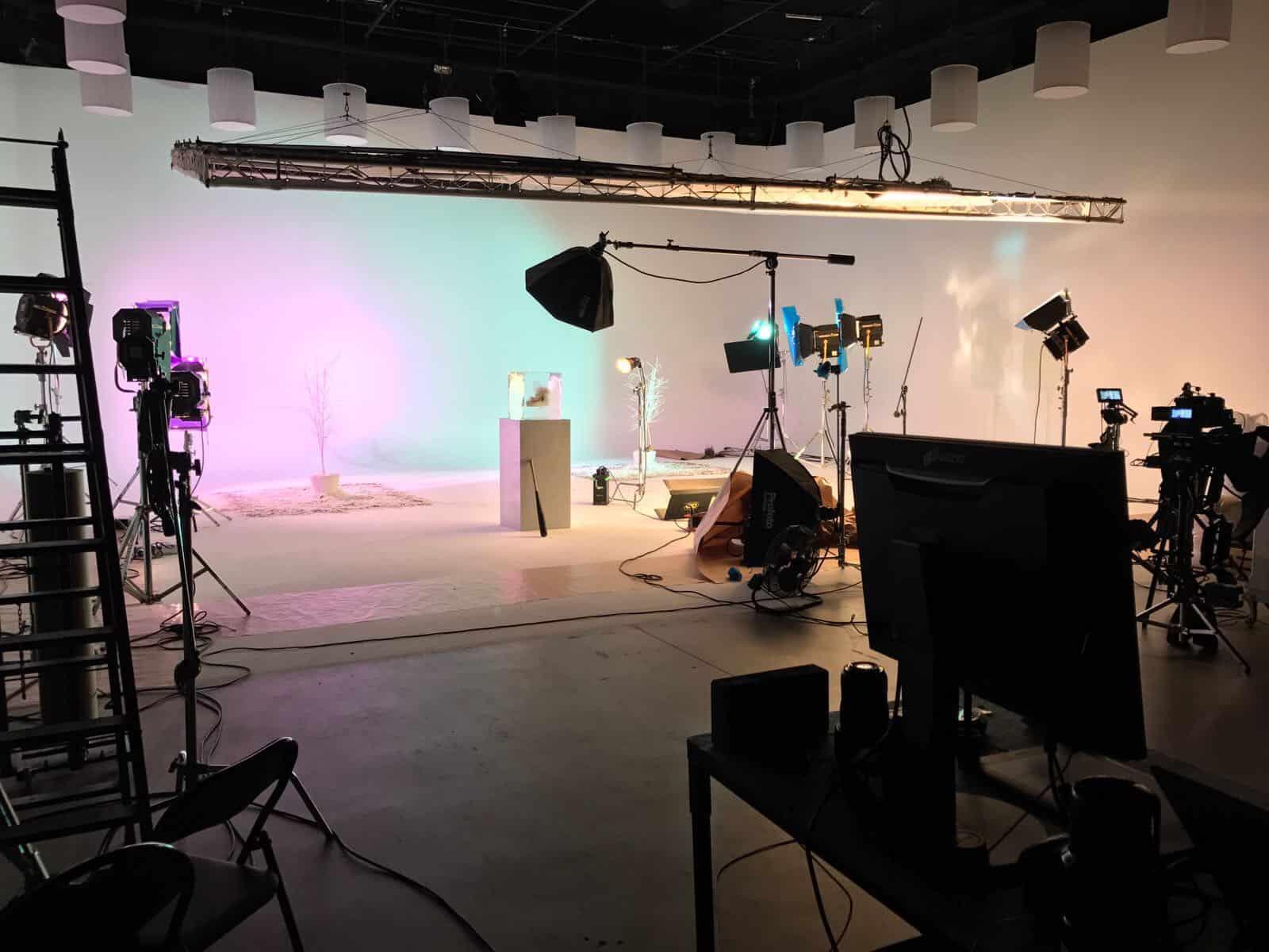 camera and studio hire - Madrid - Malaga - Seville - Cadiz - Bilbao - Pamplona - Barcelona - Lisbon - camaleon rental